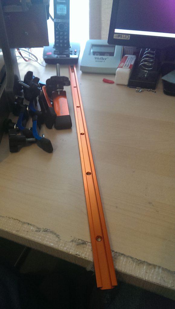 Aluminium t-slot rail